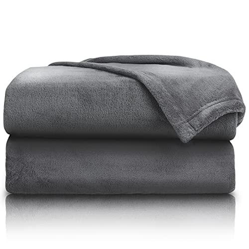 PURE LABEL Kuscheldecke anthrazit 150x200 cm mit Premium Soft Finish. Hochwertige, Flauschige Fleecedecke als Wohndecke, Tagesdecke oder Sofaüberwurf geeignet