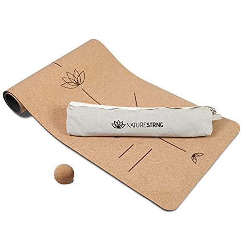 NATURESTRNG Yogamatte Kork (183x66x0,7 cm) - rutschfest, extradick & schadstofffrei - nachhaltige Sportmatte inkl. Tragegurt, Massage-Ball und Tasche