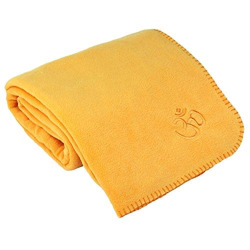 Yogadecke ASANA BLANKET, Kuscheldecke für Shavasana, Fleecedecke mit OM-Stickerei,140 x 200cm (safran)