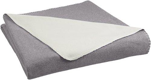Amazon Basics - Fleecedecke, 150 x 200 cm, Grau/Cremefarben