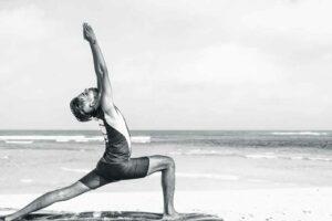 Krieger-1-Übung-Power-Yoga