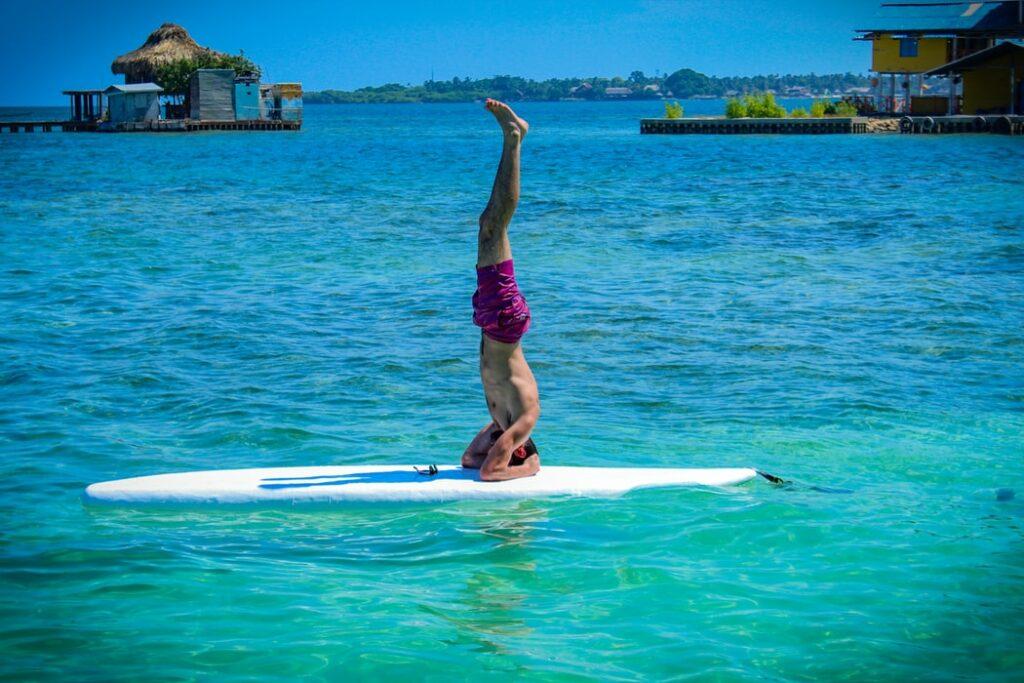 SUP Yoga Kopfstand