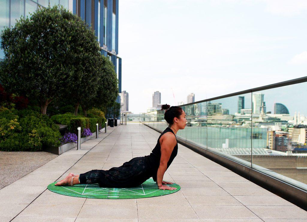 Yoga Urdhva Mukha Svanasana